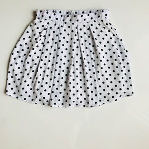 Perfectly pleated Large Everly Polka dot skirt